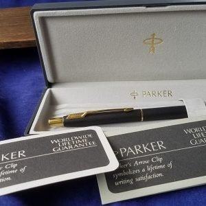 Authentic Parker K68 Pen Classic Black Ballpoint Ballpen Black Ink