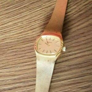 Rado Hand Winding Gold Dial Watch for Women JUNK