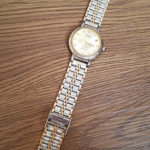 Volcas Quartz Watch Junk lot of 3 Watches No.A091 For Men Women Unchecked for Parts or Repair